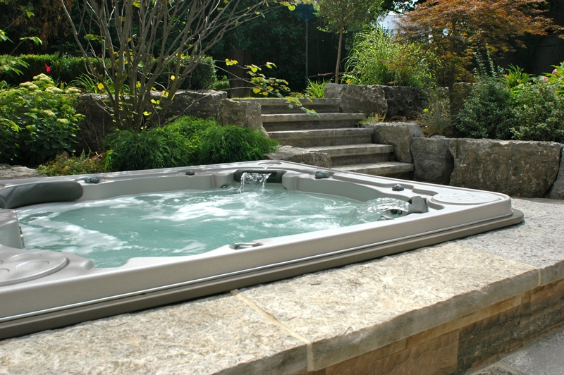 Hot tub | Things to consider | Hydropool Hot Tubs & Spas
