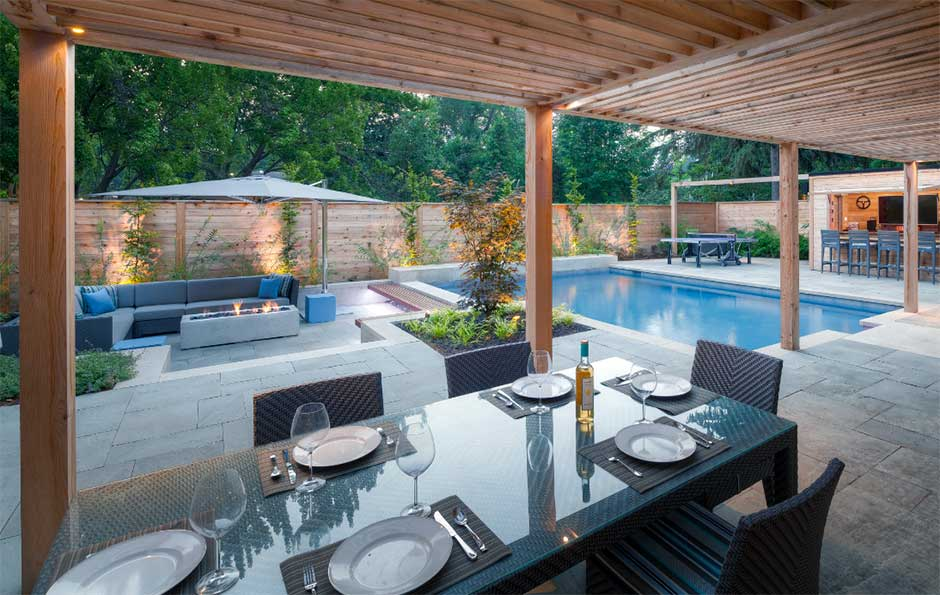 Tips For Designing An Outdoor Living Space Around The Pool