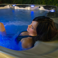 Will a Hot Tub Help a Sprained Ankle?
