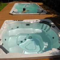 What's the Difference Between Hot Tub and Spa?